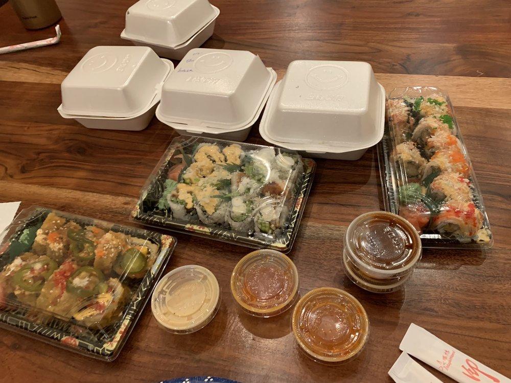 Q One Teriyaki & Sushi Express: 569 N State St, Lindon, UT