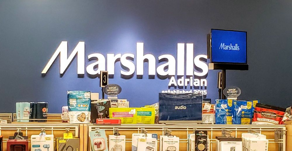 Marshalls: 1651 US-223, Adrian, MI