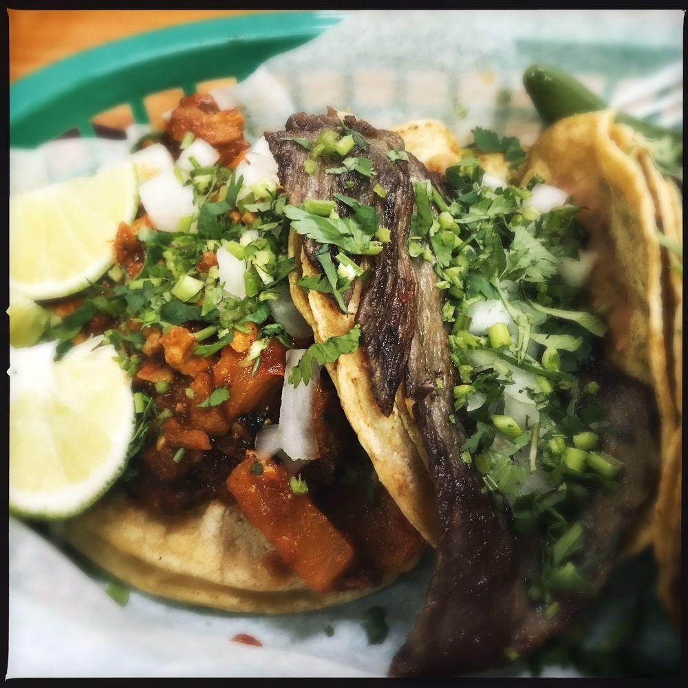La Barca Restaurant: 1221 W 47th St, Chicago, IL