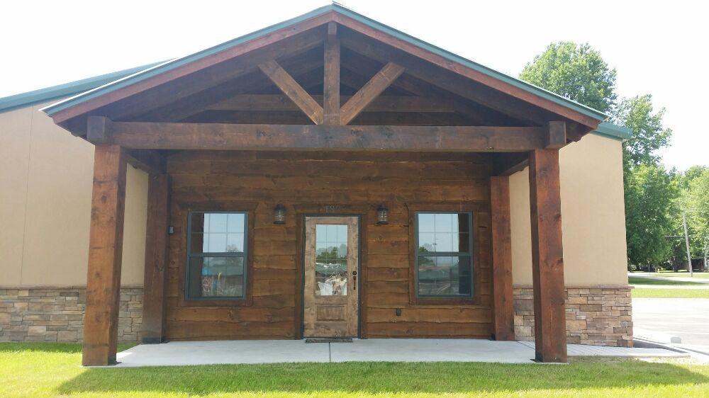 A Rustic Retreat Pet Lodge: 180 E State Hwy 174, Republic, MO