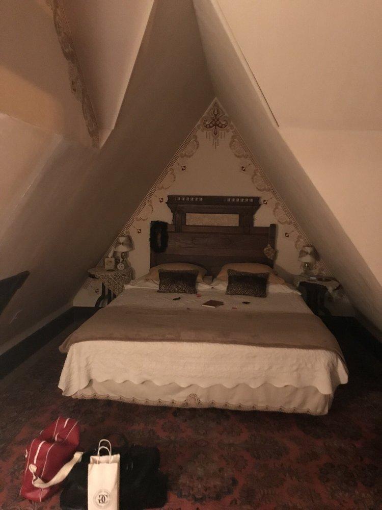 The Carleton House Bed & Breakfast: 803 N Main St, Bonham, TX