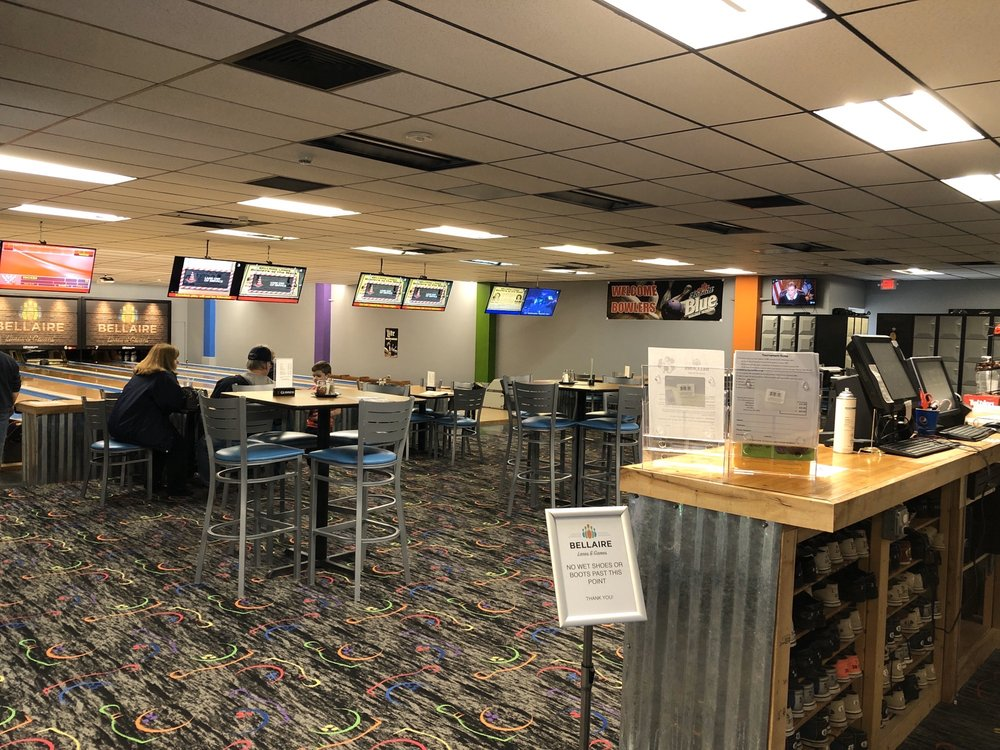 Bellaire Lanes & Lounge: 4800 S M 88 Hwy, Bellaire, MI