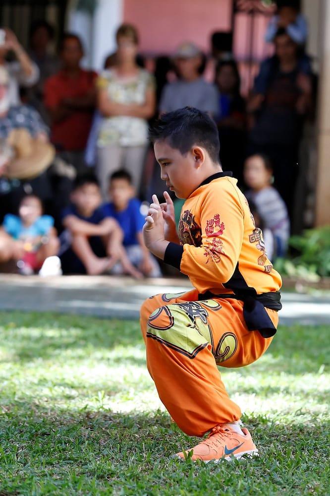 Gee Yung Int'l Martial Arts Dragon & Lion Dance Association