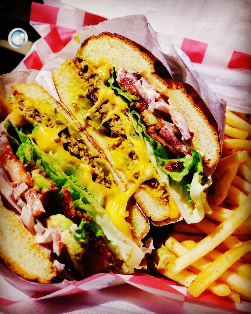 Hwy 155 Market & Cafe: 10675 Hwy 155, Glennville, CA