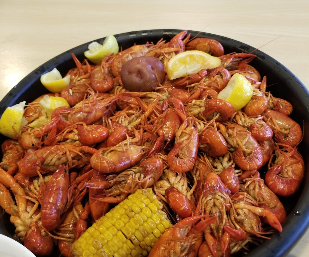 Angleton Seafood: 201 West Myrtle St, Angleton, TX