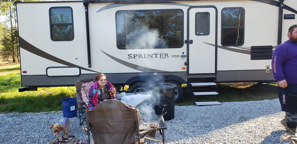Stonewall RV Park: 5693 State Hwy 215 S, Jenkinsville, SC