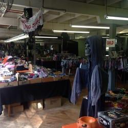 Collegeville Halloween Store & Collegeville Halloween Store - Costumes - 70 E Third Ave ...