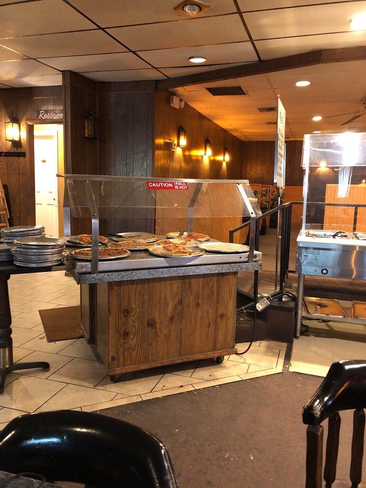 Pizza Parlour: 936 Hwy 71 N, Alma, AR