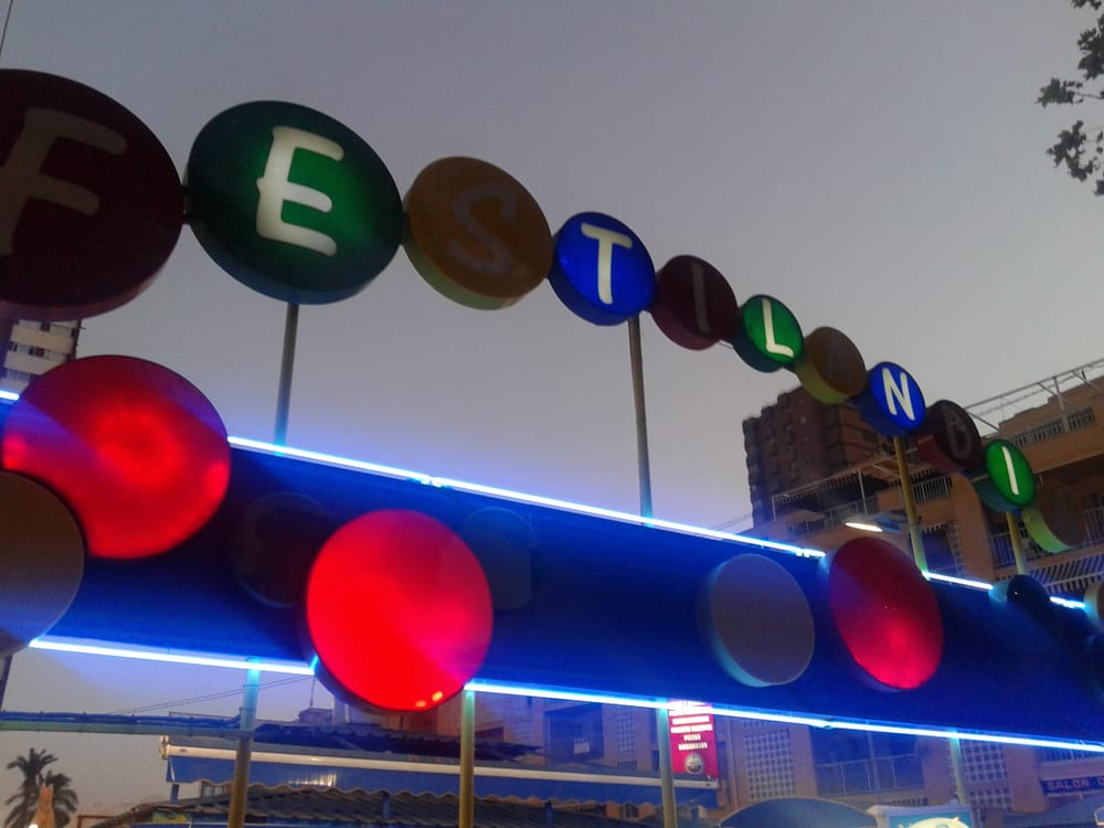 Festilandia: Avenida Mediterraneo, 20, Benidorm, A