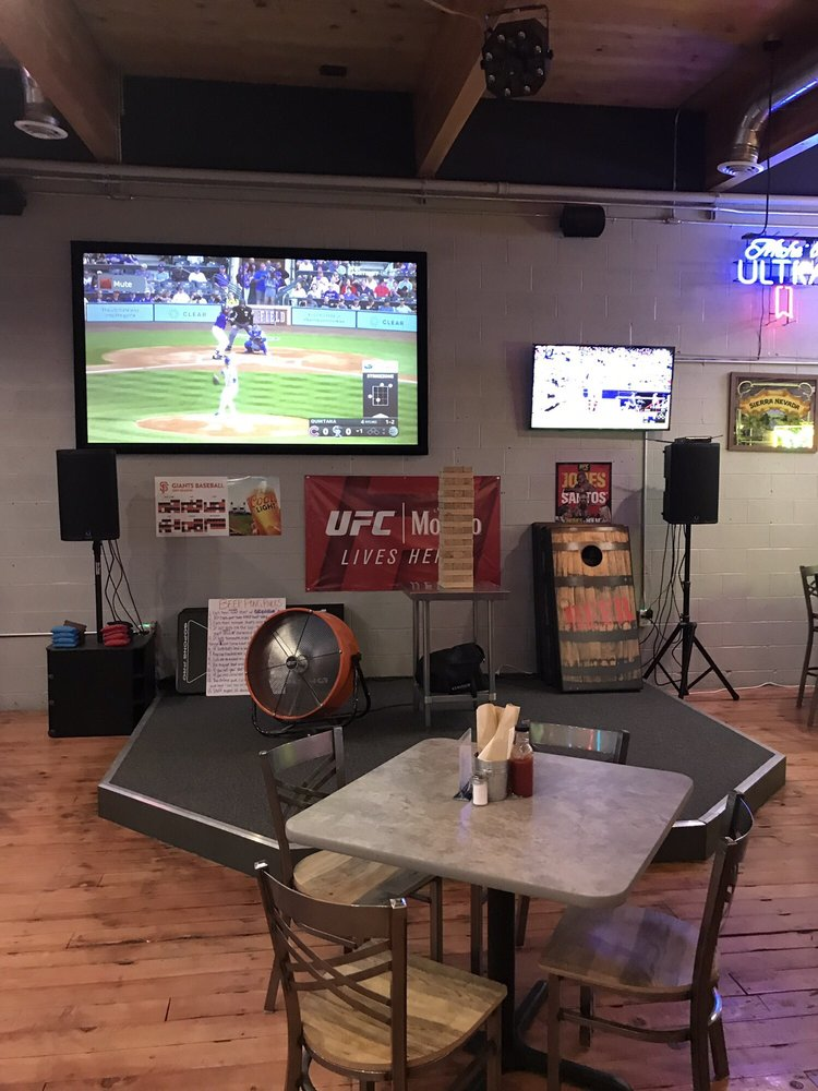 Overtime Sports Bar & Grill: 870 S Broad St, Battle Mountain, NV