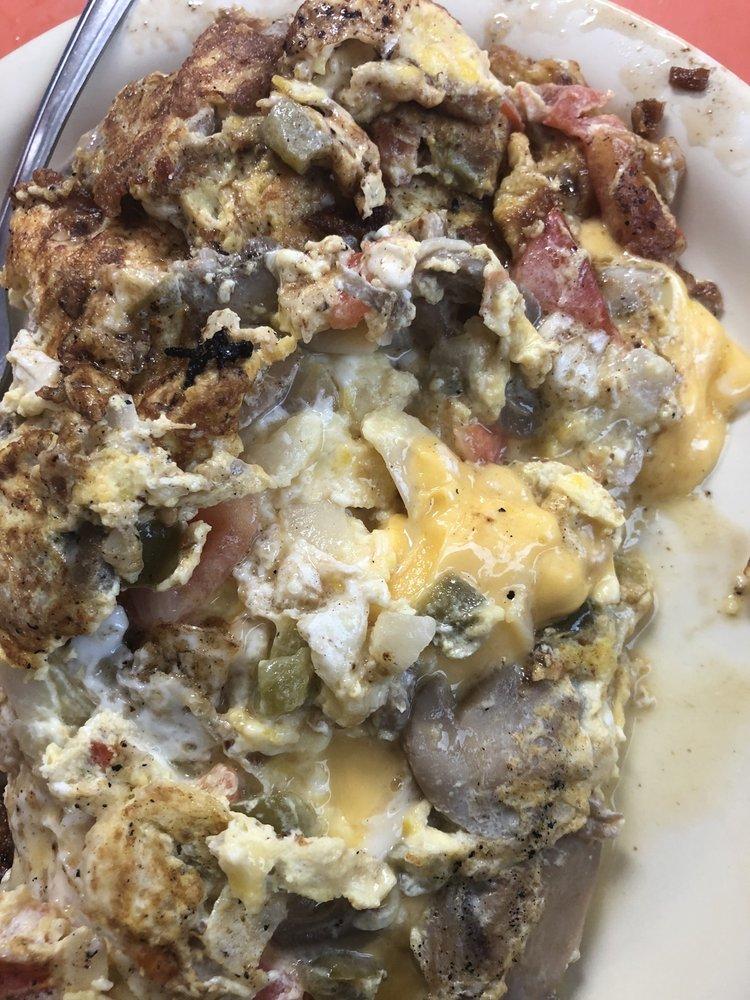 Whitey's Diner: 216 E State St, Fremont, OH