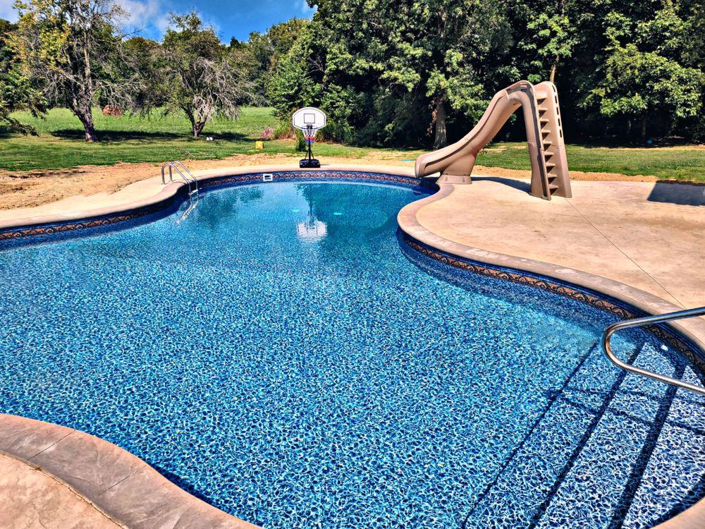 AquaVida Pools: 2954 Beaumont Dr, Evansville, IN