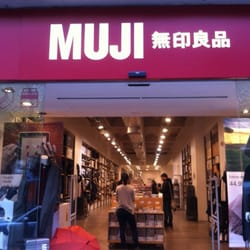 photo of muji barcelona spain en pleno corazn de barcelona