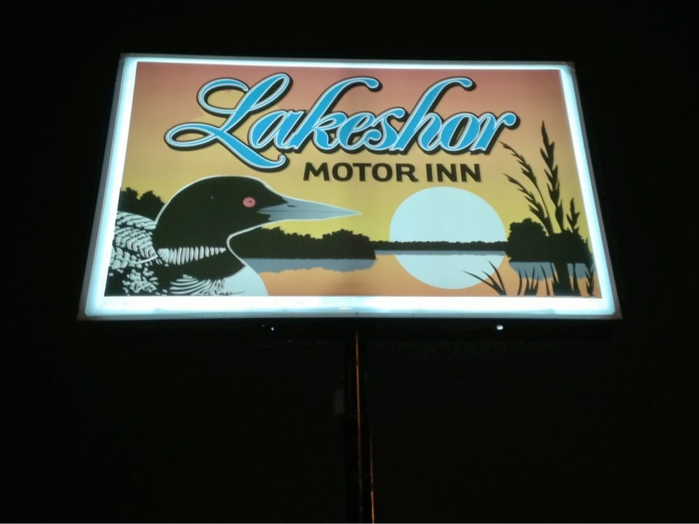 Lakeshor Motor Inn: 404 N 6th Ave, Virginia, MN