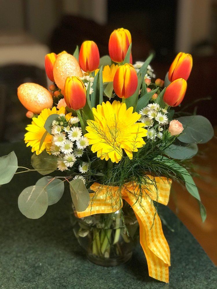 Spring Street Greenhouse & Flower Shop: 325 Garland Rd, Dexter, ME