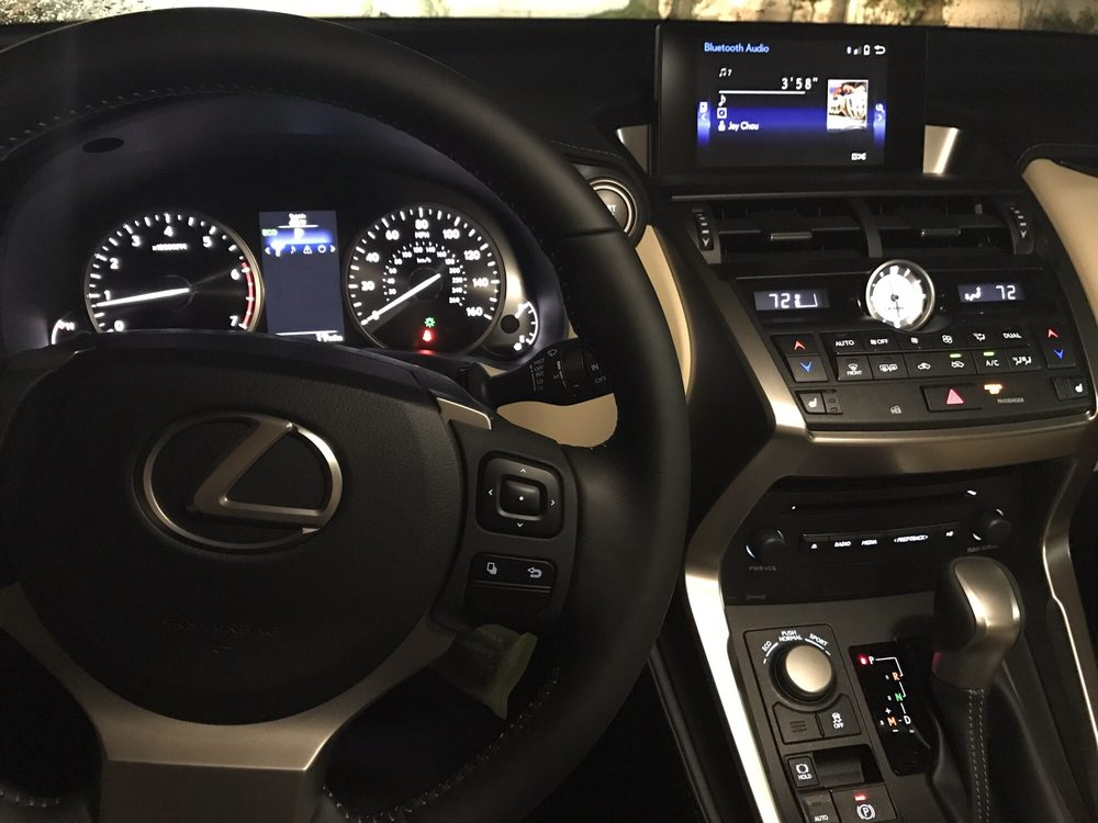 Lexus of Bellevue