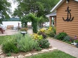 Spruce Harbor Inn: 30579 400th Ave, Bellevue, IA