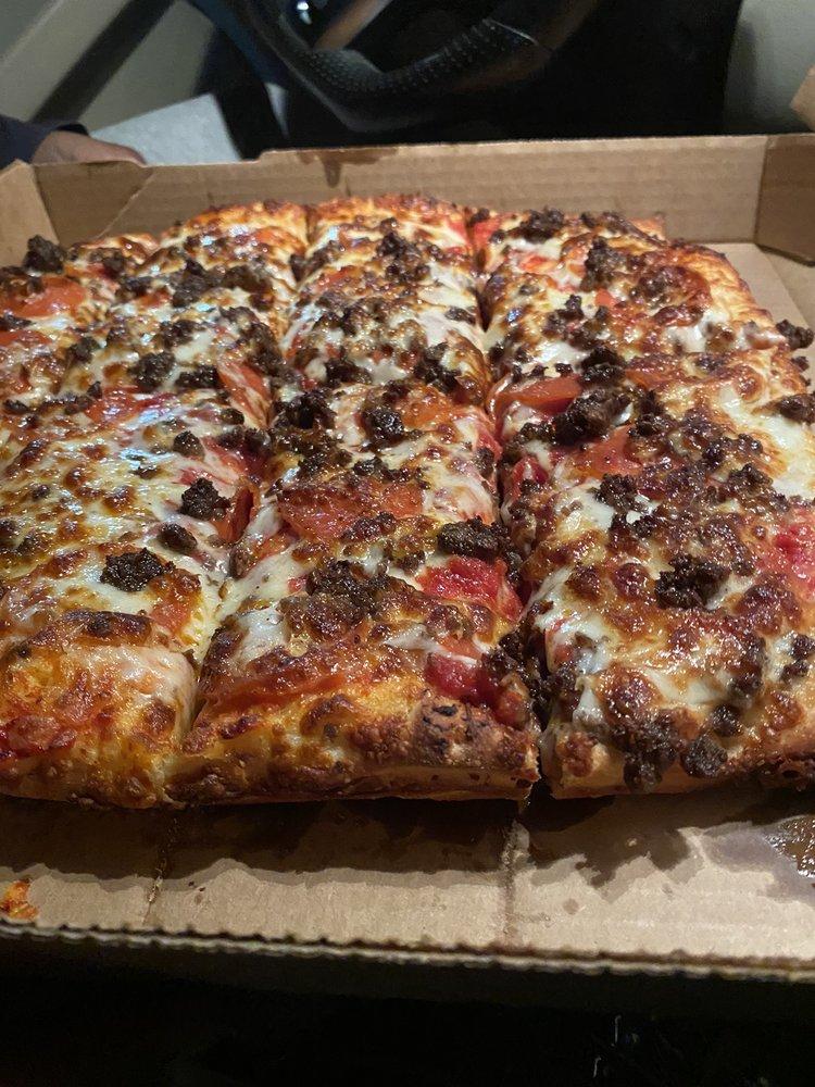 Bambino's Pizza: 706 N Laurel St, Springfield, GA