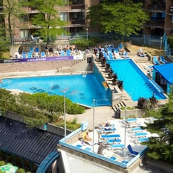 Club la cit 13 photos swimming pools 3575 avenue du for Club piscine rive sud montreal