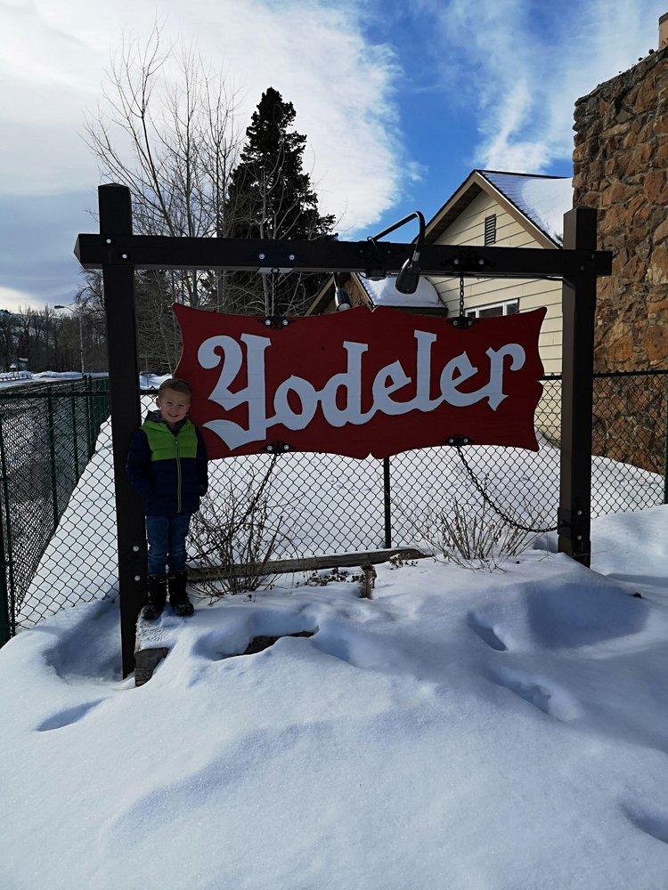Yodeler Motel: 601 S Broadway Ave, Red Lodge, MT