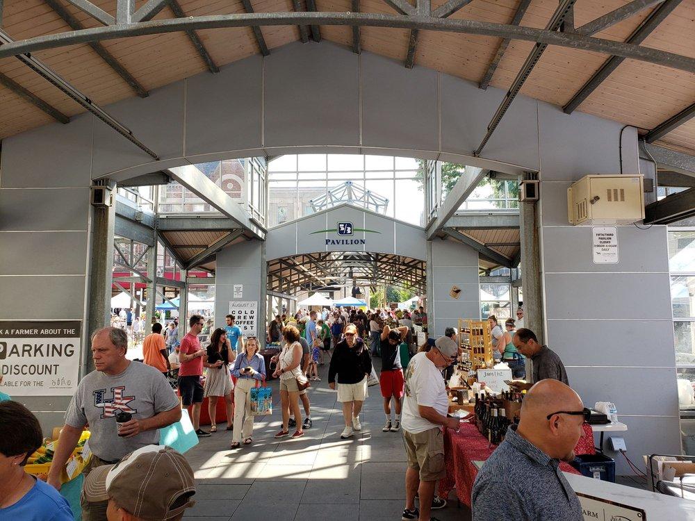 Lexington Farmers' Market: Rupp Arena Parking Lot, Lexington, KY