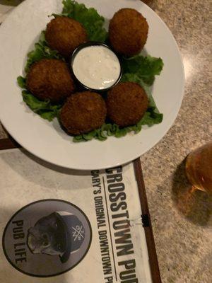 Crosstown Pub & Grill - 148 Photos & 177 Reviews - American