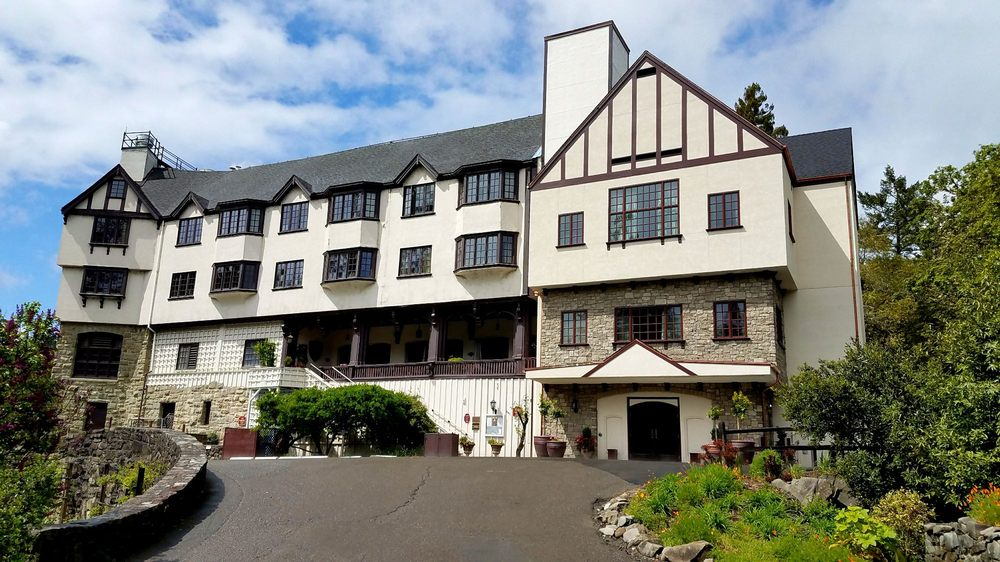 Benbow Historic Inn: 445 Lake Benbow Dr, Garberville, CA