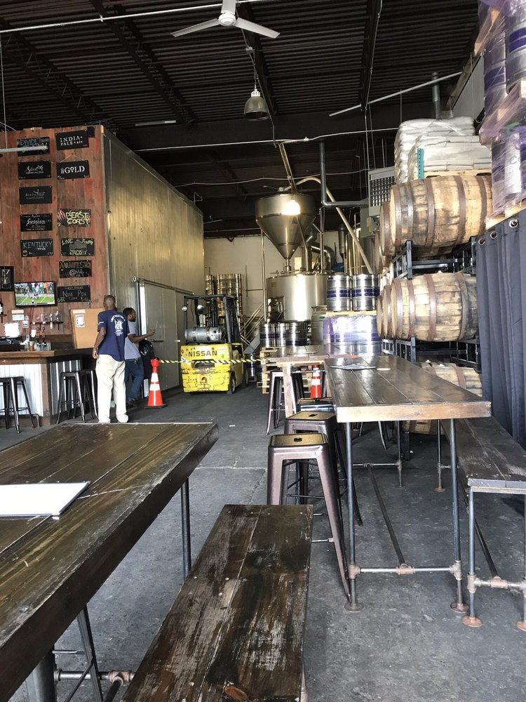 Gun Hill Brewing Company: 3227 Laconia Ave, Bronx, NY