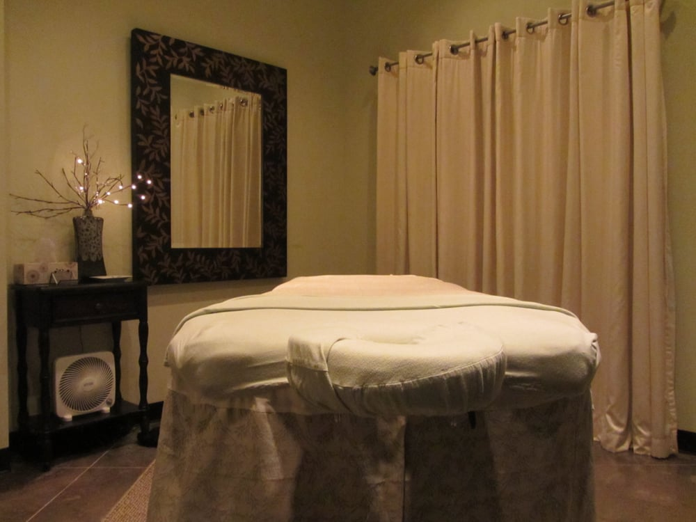 Stonebrook Day Spa: 1875 N Hwy 66, Catoosa, OK