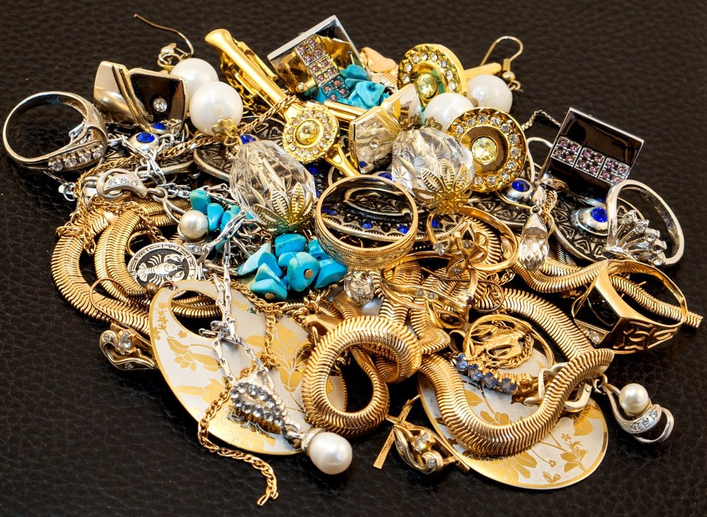 La Familia Pawn and Jewelry