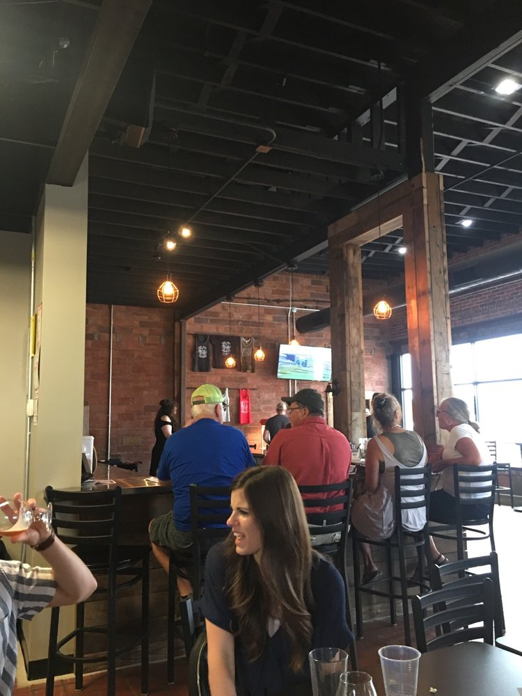 Lost Way Brewery: 614 3rd Ave, Holdrege, NE