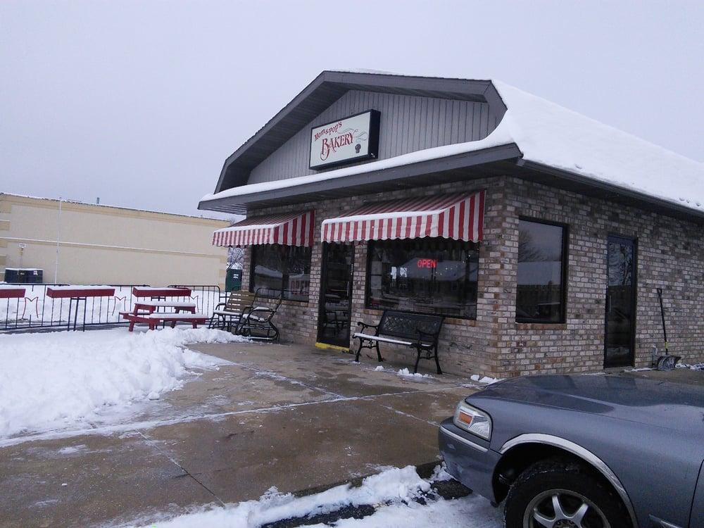 Mom & Pop's Bakery: 710 W Kimberly Ave, Kimberly, WI