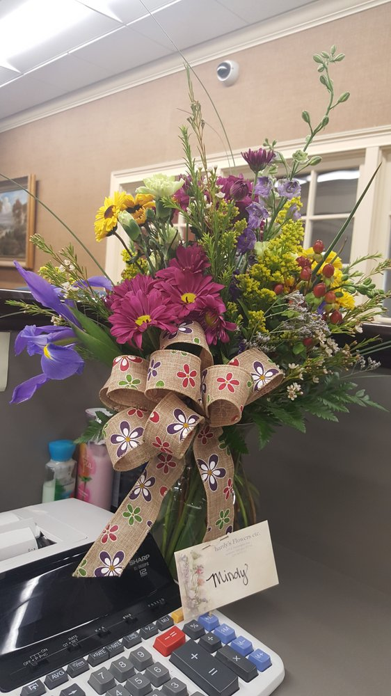 Hardy's Flowers: 371 E Washington Ave, Ashburn, GA