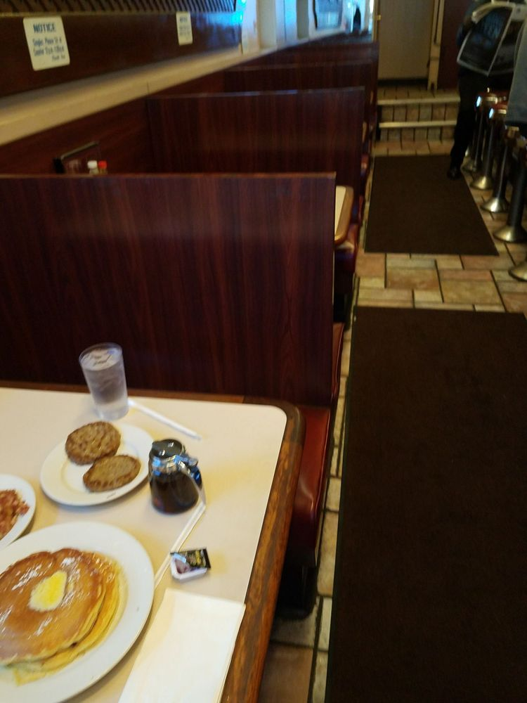 The New Wyman Park Restaurant: 138 W 25th St, Baltimore, MD