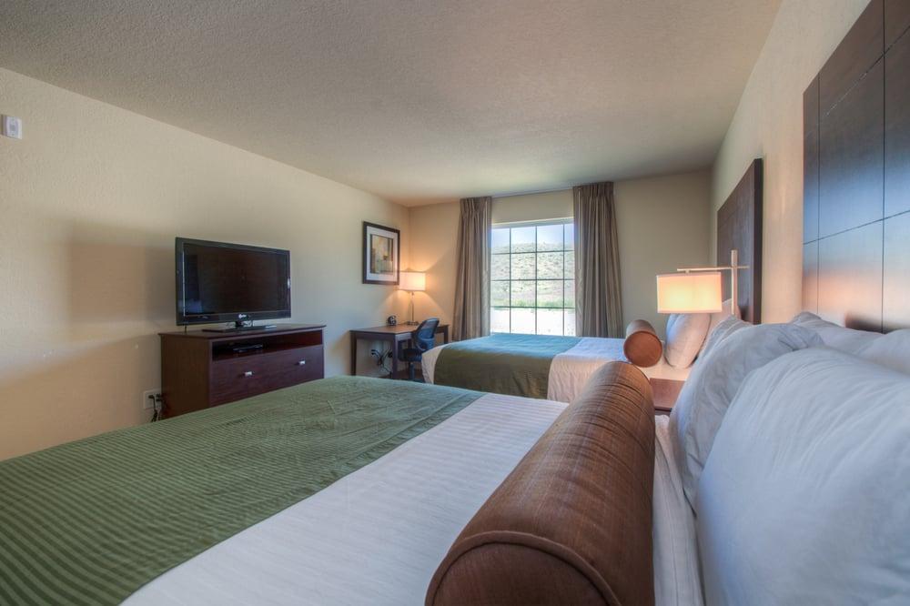 Cobblestone Inn & Suites - Wray: 35952 Hwy 385, Wray, CO