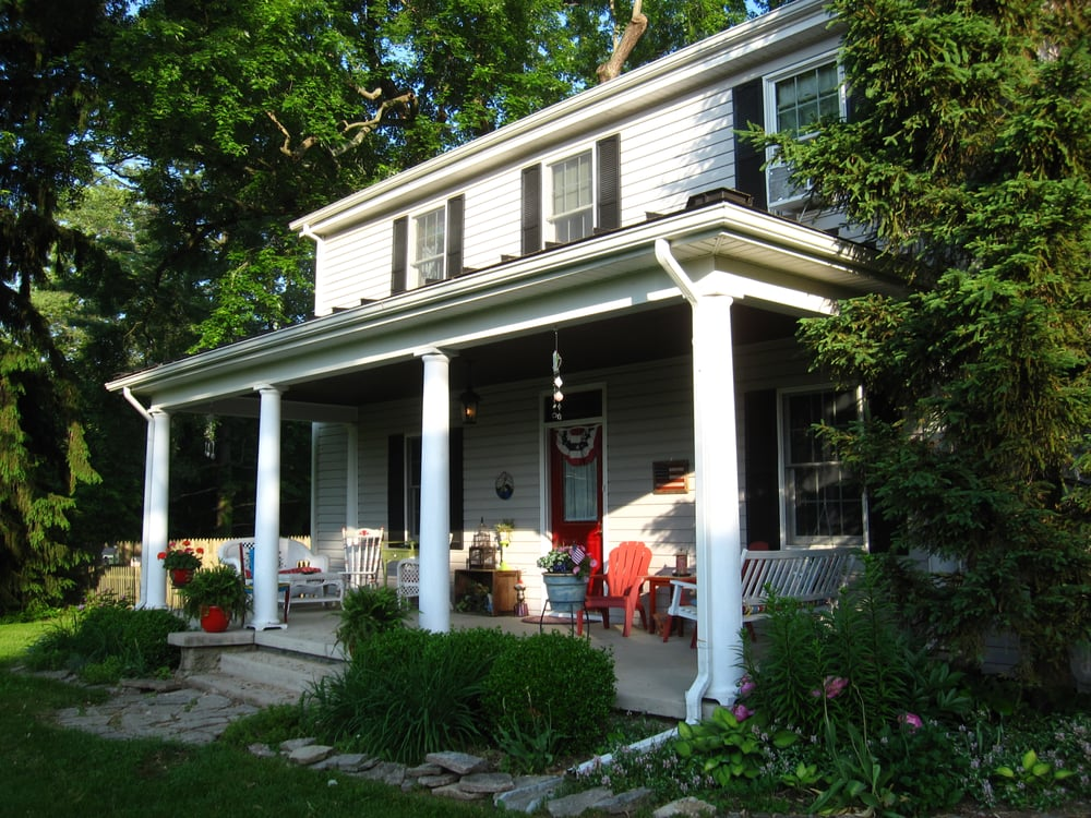 The Sinclair House Bed and Breakfast: 161 Edwards Rd, Waynesville, OH