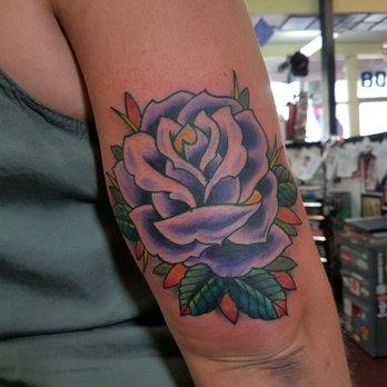 American graffiti tattoo piercing 58 photos 84 for Sacramento tattoo and piercing