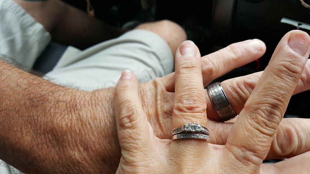 Elie Jewelers: 999 S Washington St, North Attleboro, MA