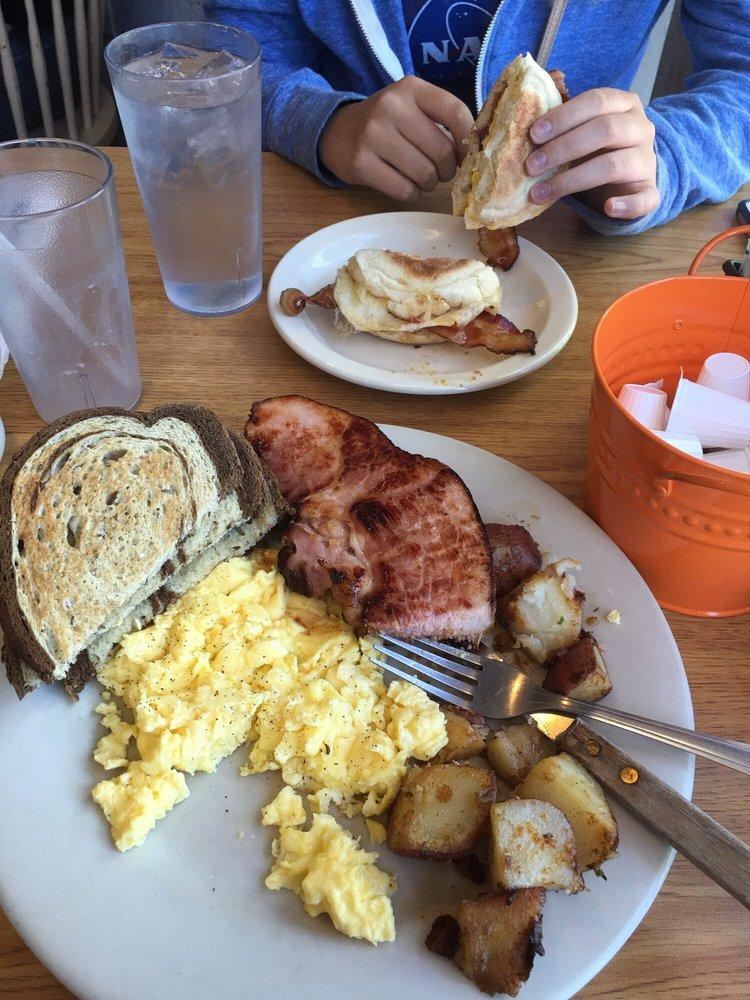 The Corner Cafe: 369 Barlows Landing Rd, Pocasset, MA