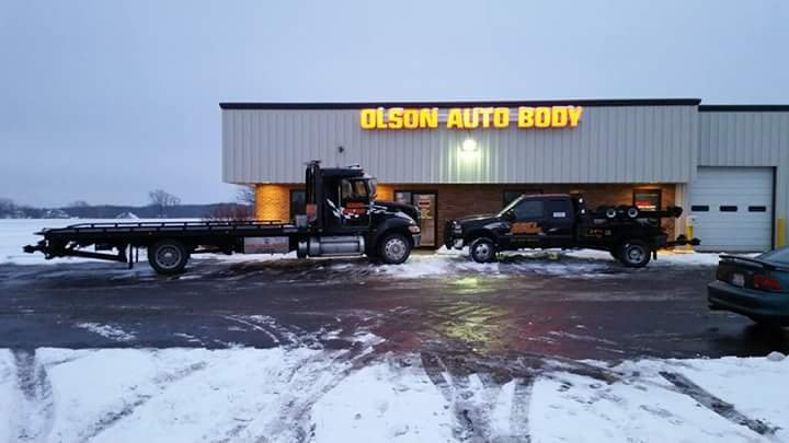 Olson Auto Body and Towing: 5407 Fieldstone Way, Johnsburg, IL