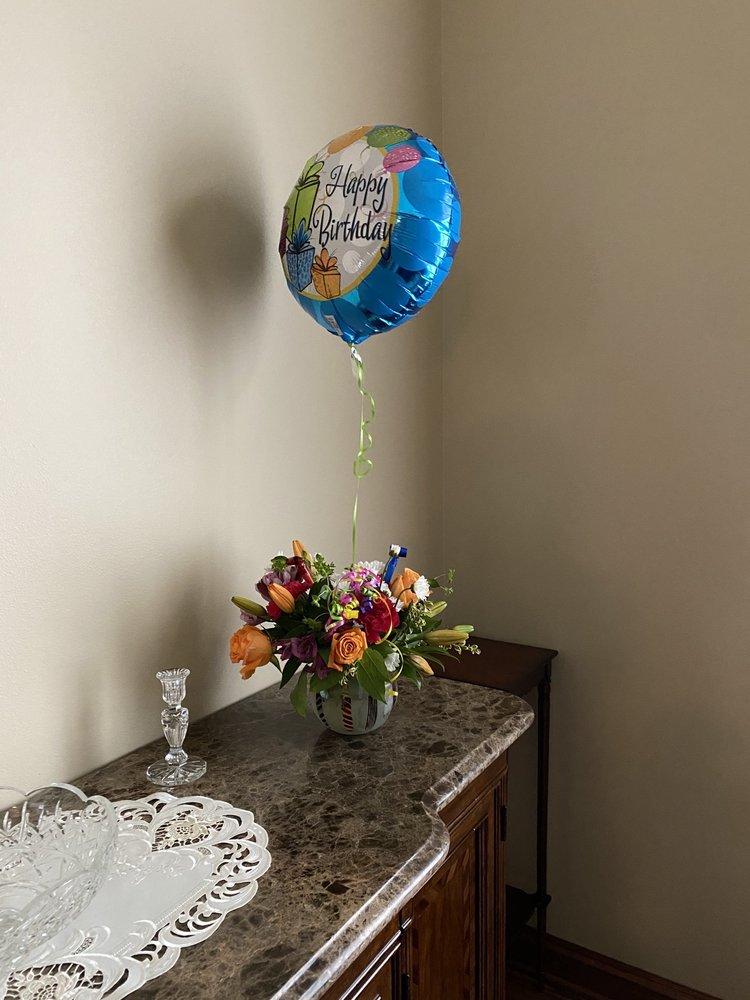 Welke's Florist: 1020 Legion Dr, Elm Grove, WI