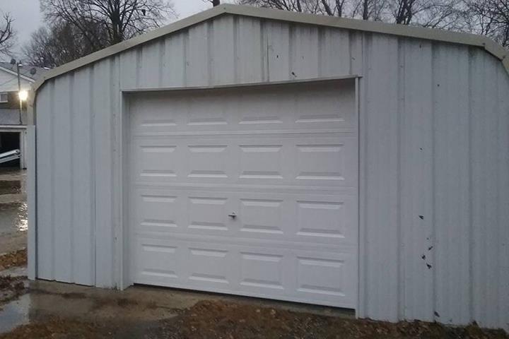 C & D Garage Door: 1202 13th St N, Humboldt, IA