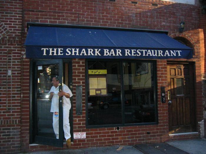 Shark bar restaurant closed 18 reviews soul food for Food bar new york