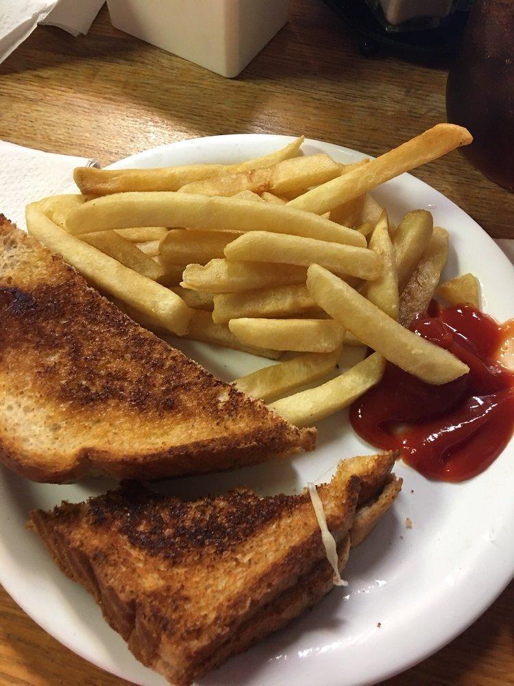 Iron Skillet Cafe: 4428 N Lovington Hwy, Hobbs, NM