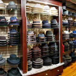 ba5fc70e4ec BeauChapeau Hat Shop - 30 Photos   14 Reviews - Hats - 42 Queen ...