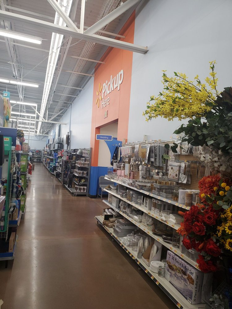 Walmart Supercenter: 1755 Hwy 59 S, Thief River Falls, MN
