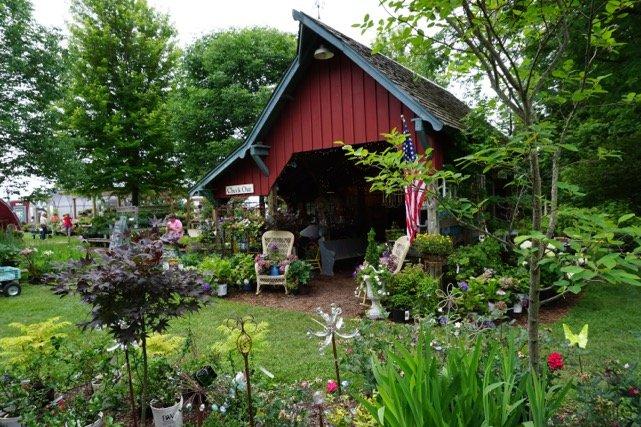 Redbud Creek Farm: 2930 N 4351st Rd, Sheridan, IL