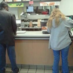 Hardees Fast Food 501 S Main St Swainsboro Ga Restaurant