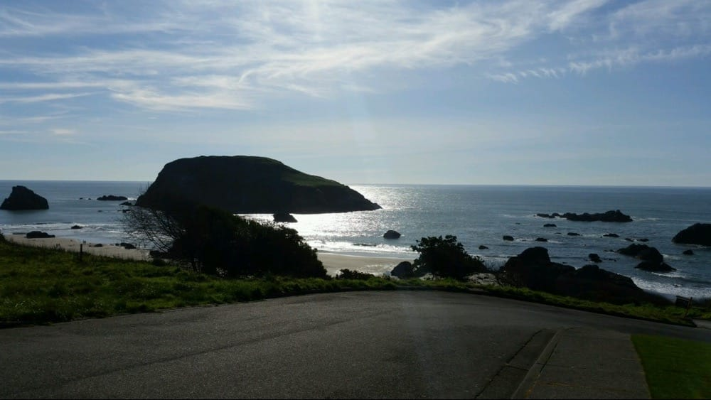 Brookings Oregon Real Estate - Remax Coast and Country   703 Chetco Ave, Brookings, OR, 97415   +1 (541) 412-9535