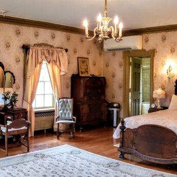 Master Bedroom at Felt Mansion - Yelp